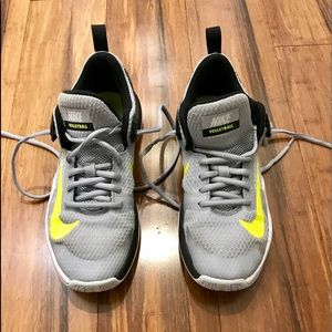 Nike *Mismatched* Volleyball Sneakers Size 7 & 7.5